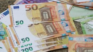 Danas isplata polovine minimalne zarade za april iz državnog paketa pomoći 6
