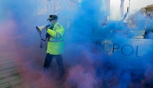 Rumunski policajci demonstrirali zbog smanjenja primanja i loših uslova rada 9