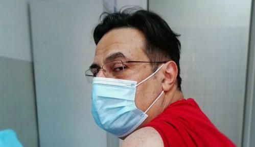 Vučić više brinuo o svom nego o rejtingu vakcinacije 5