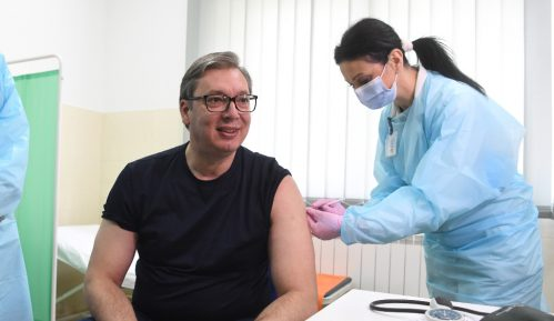 Kakav će biti efekat vakcinacije predsednika na neodlučne? 10