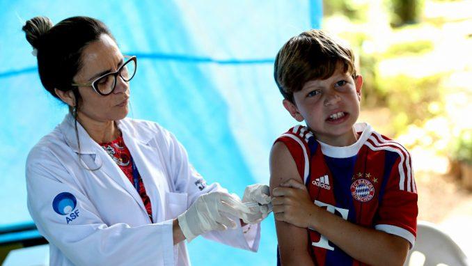 U SAD više od 100 miliona ljudi revakcinisano protiv korona virusa 1