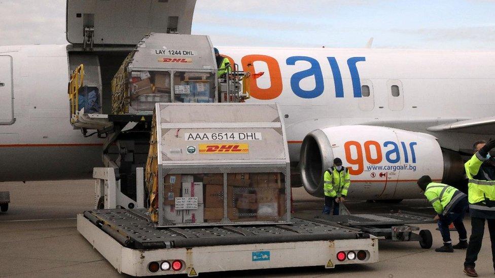 dopremanje vakcina na beogradski aerodrom