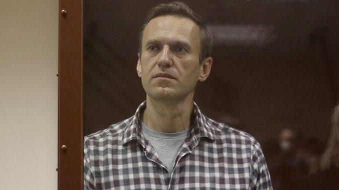 Rusija, politika i Navaljni: Putinov kritičar gubi osećaj u rukama i nogama, tvrdi advokat 4