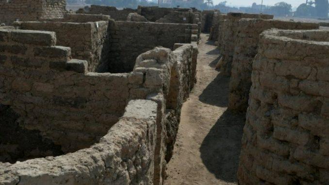 """Arheologija, istorija i Egipat: """"Zlatni grad"""", star 3.000 godina, otkriva kako su živeli faraoni 4"""