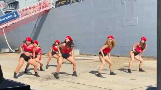 Australija, vojska i prava žena: Zašto je sporan nastup plesačica na vojnoj ceremoniji 3