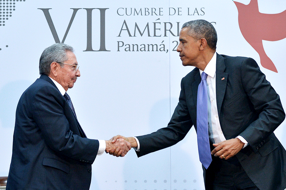 US President Barack Obama (R) shakes hands with Cuba's President Raul Castro (L) on the sidelines of the Summit of the Americas at the ATLAPA Convention center on April 11, 2015 in Panama City. AFP PHOTO/MANDEL NGAN / AFP PHOTO / Mandel NGAN (Photo credit should read MANDEL NGAN/AFP via Getty Images)