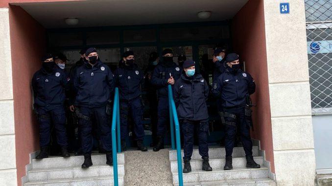 Prinudno iseljenje i izvršitelji: Slučaj porodice Lalović u 300 i 500 reči 2