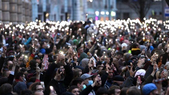 Aleksej Navaljni i Rusija: Hiljade ljudi širom zemlje na zabranjenim protestima 3