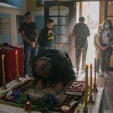 Veliki Petak u fotografijama: Pravoslavni vernici obeležavaju najtužniji dan u hrišćanstvu 12