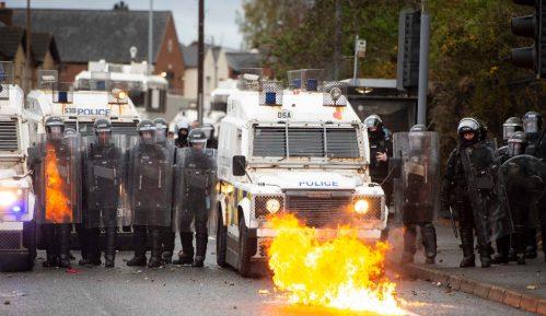 Povređene desetine ljudi u nemirima u Severnoj Irskoj 1
