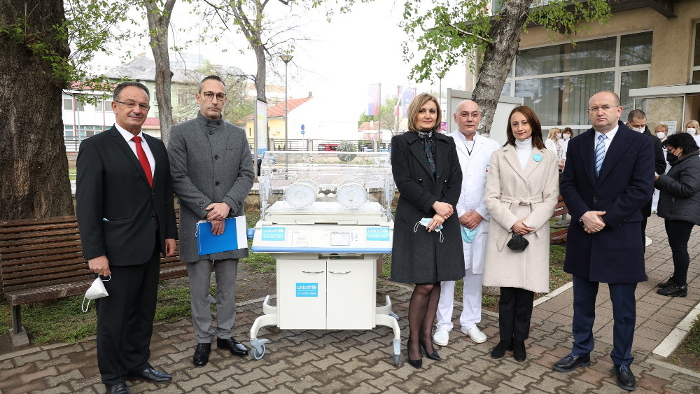 UNICEF donirao Dečjoj klinici u Nišu dva inkubatora, potrebni donatori za još 10 1