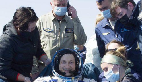 Svemirska letelica Sojuz uspešno sletela posle šest meseci na MSS 3
