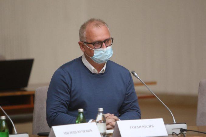 Vesić se izvinio na Fejsbuku jer je kršio epidemiološke mere na proslavi Crvene zvezde 1