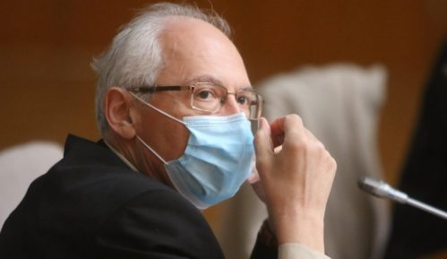 Kon: Aktivnost korona virusa u padu 4