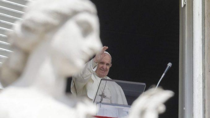Papa Franja se ponovo obraća vernicima na Trgu svetog Petra 3