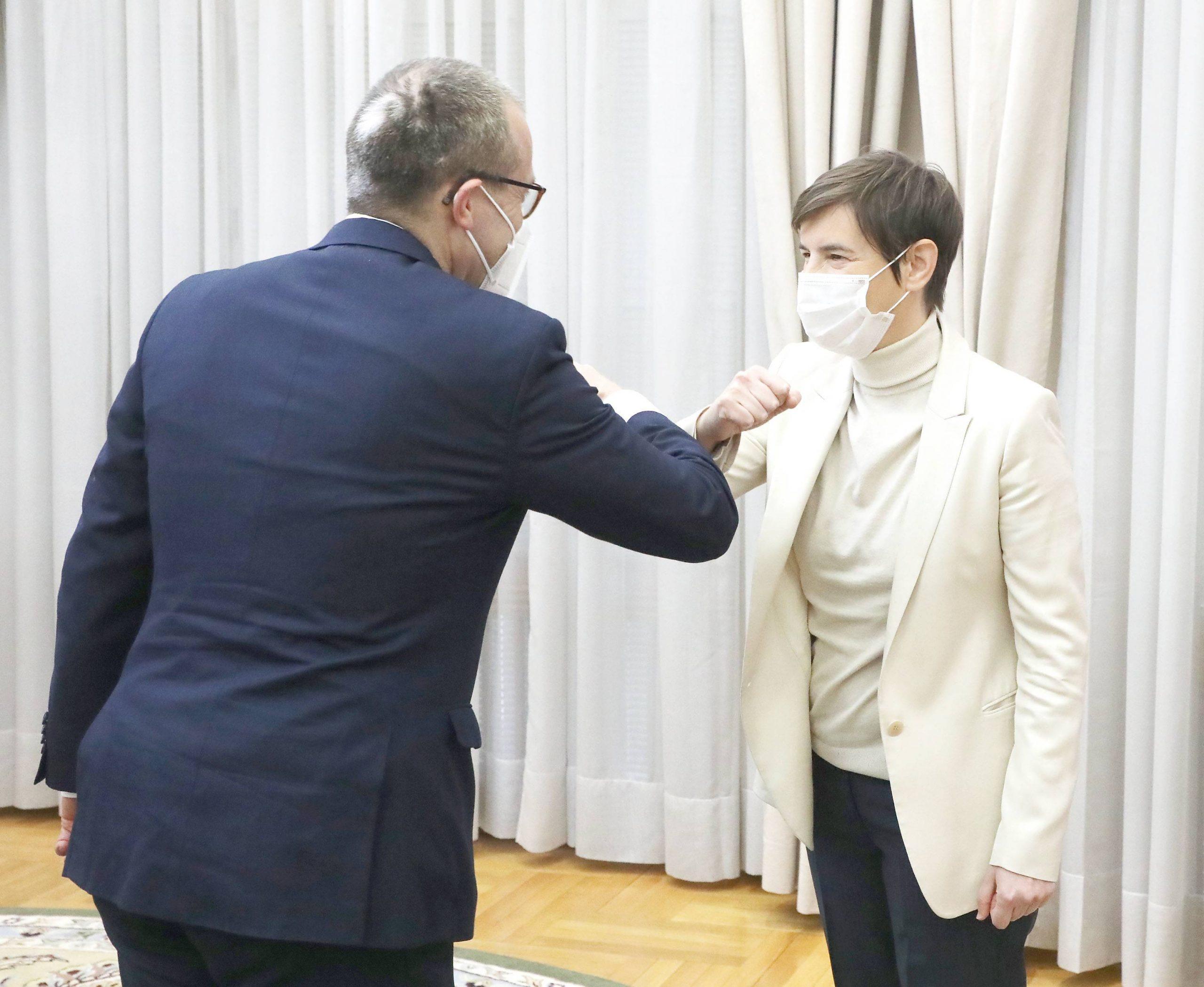 Direktor SZO za Evropu pohvalio Srbiju zbog donacije vakcina susedima 1