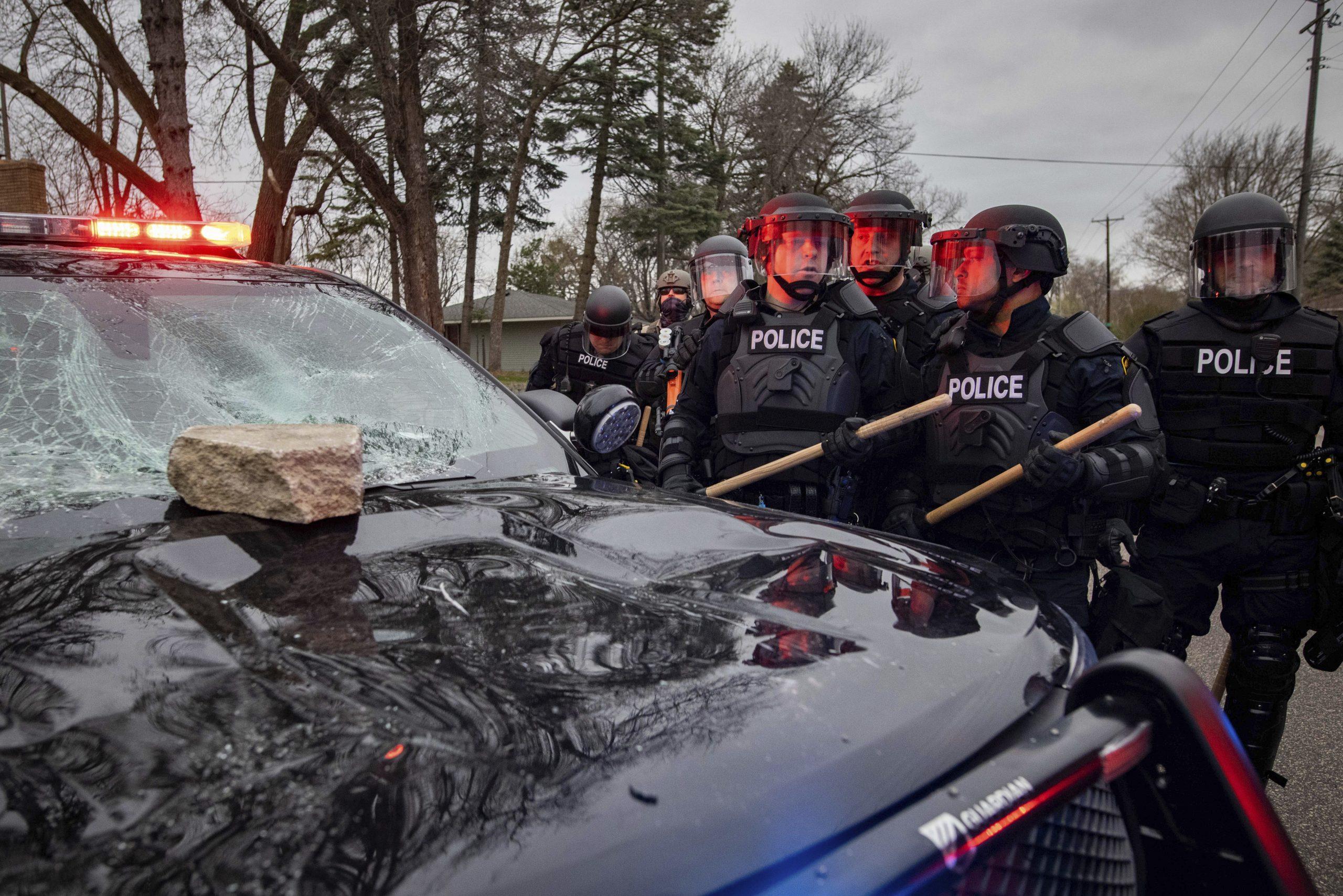 Protesti zbog smrti Afroamerikanca u Minesoti, policija tvrdi da je njen pripadnik slučajno pucao 1