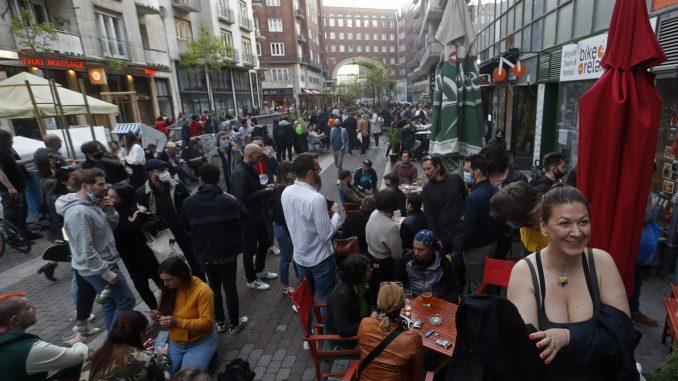Mađarska popušta mere za vakcinisane građane 1