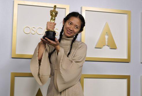 Film Nomadland pobednik na 93. dodeli Oskara (FOTO) 10