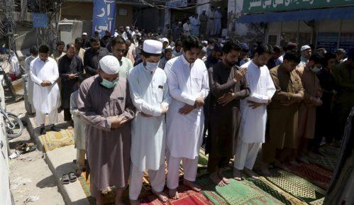 Pakistan zabeležio najveći broj umrlih od korona virusa u jednom danu 11