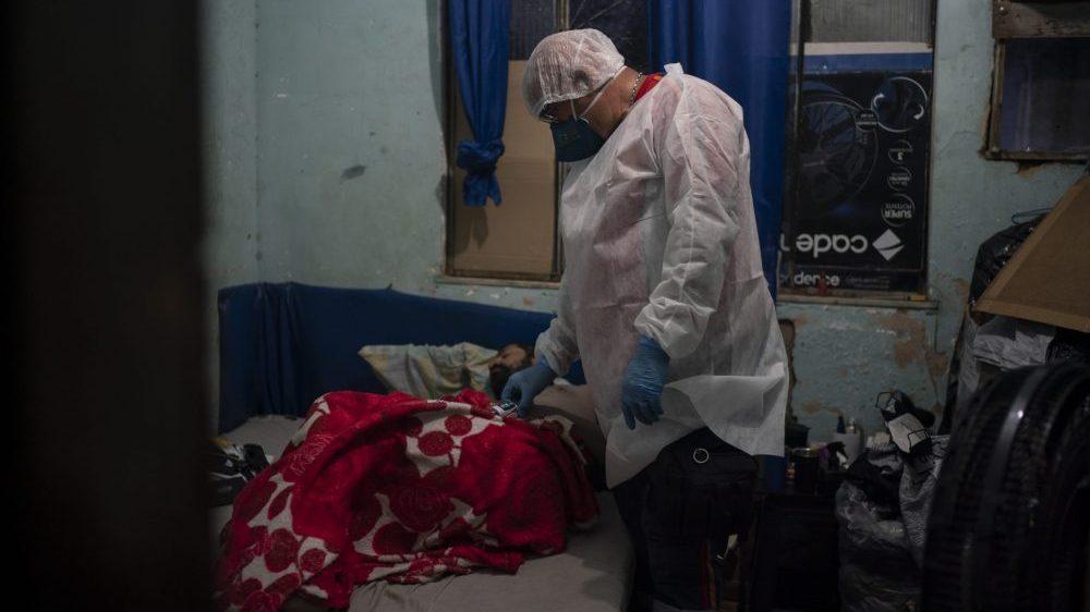 Više od 4.000 umrlih od korona virusa u 24 časa u Brazilu 2