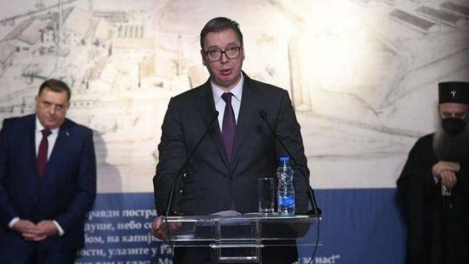 Vučić u Istorijskom muzeju Srbije otvorio izložbu o Jasenovcu 1