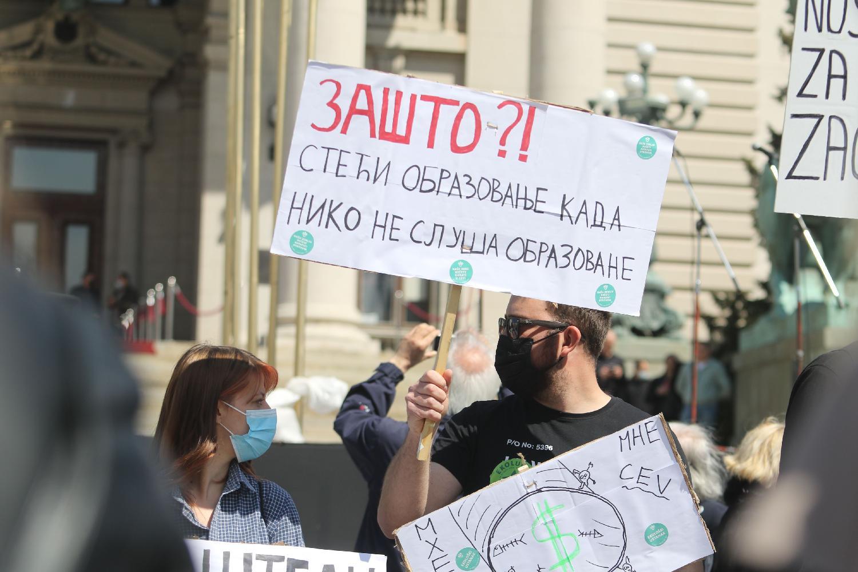 Održan Ekološki ustanak, organizatori traže obustavu seče šuma i emisiju na RTS (FOTO/VIDEO) 6