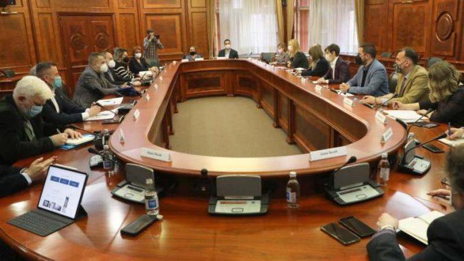 Na sastanku premijerke i radne grupe za zaštitu novinara predstavljen portal bezbedninovinari.rs. 4