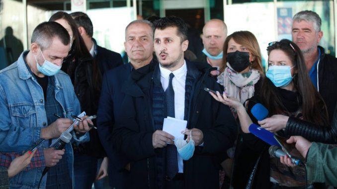 """Pavlović (Narodna stranka): CLC grupa obavljala uslugu prevoza Beograđana """"bez tendera i potisanog ugovora"""" 5"""