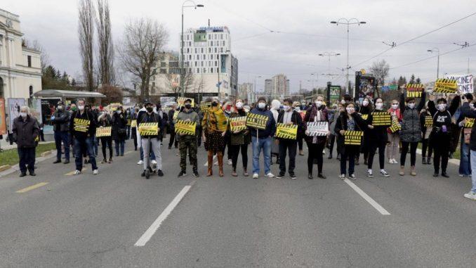 Protest u Sarajevu zbog kašnjenja u nabavci vakcina: Traže se ostavke državne vlasti i Vlade FBiH 5