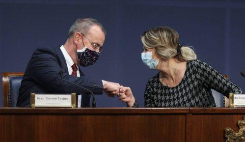 SAD opredelile još 22 miliona dolara bespovratne pomoći Srbiji kao podršku reformama 12