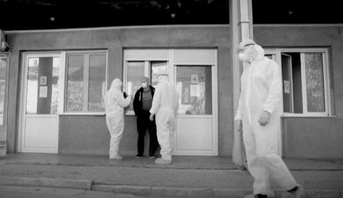 Fizičari o nedoumicama u vezi sa brojem umrlih od korone u Srbiji u emisiji na AJB 8