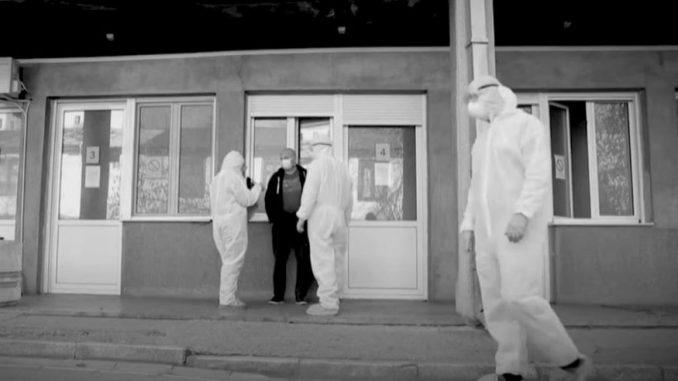 Fizičari o nedoumicama u vezi sa brojem umrlih od korone u Srbiji u emisiji na AJB 5