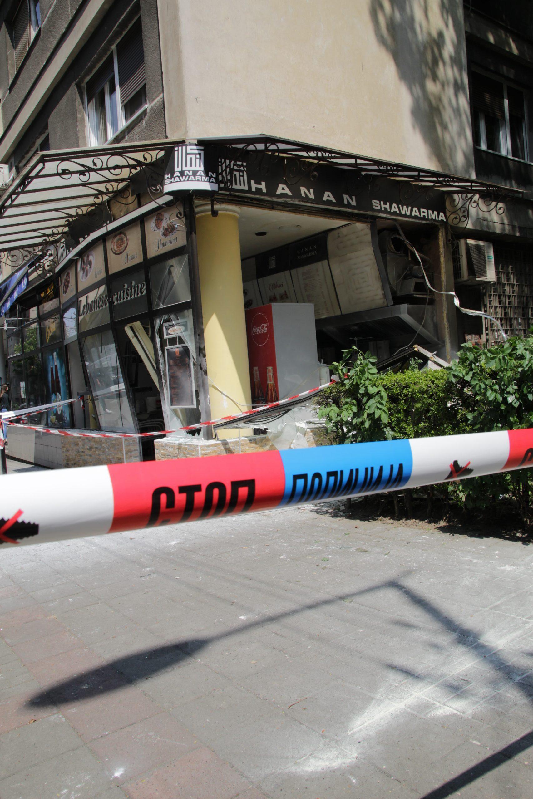 Eksplozija i požar u restoranu na Vračaru, povređena jedna osoba 2