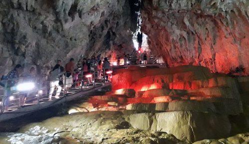 Stopića pećinu posetilo više od 120.000 ljudi 2