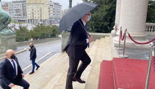 Šta se dešavalo iza zatvorenih vrata sastanka u Skupštini Srbije? 6