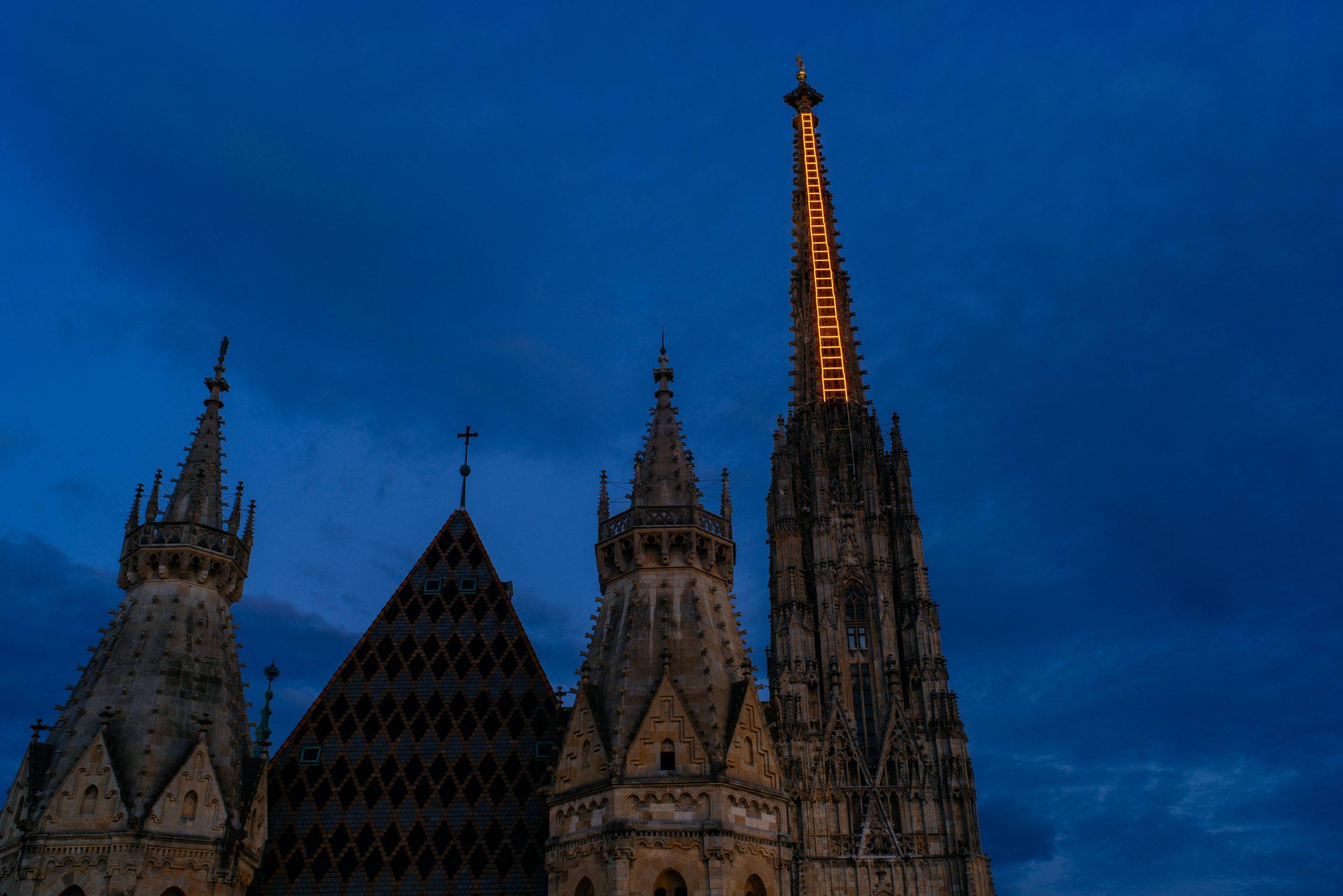 Na bečkoj katedrali nebeske lestvice kao simbol nade 1
