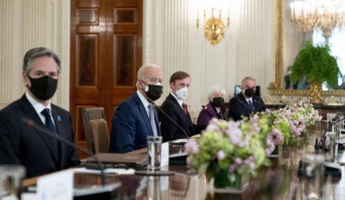 Bajden i Suga potvrdili američko-japansko partnerstvo u odnosu prema Kini 2
