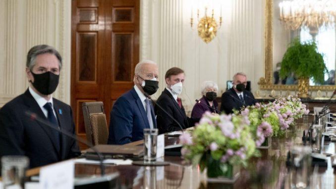Bajden i Suga potvrdili američko-japansko partnerstvo u odnosu prema Kini 4