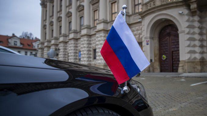 Češka proteruje 18 ruskih diplomata zbog eksplozije municije 2014. godine 1