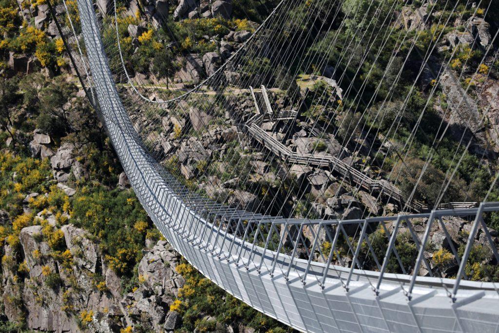 U Portugalu otvoren najduži viseći pešački most na svetu 2