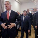 Đukanović upozorava Vučića, kao što je Miloševića 12
