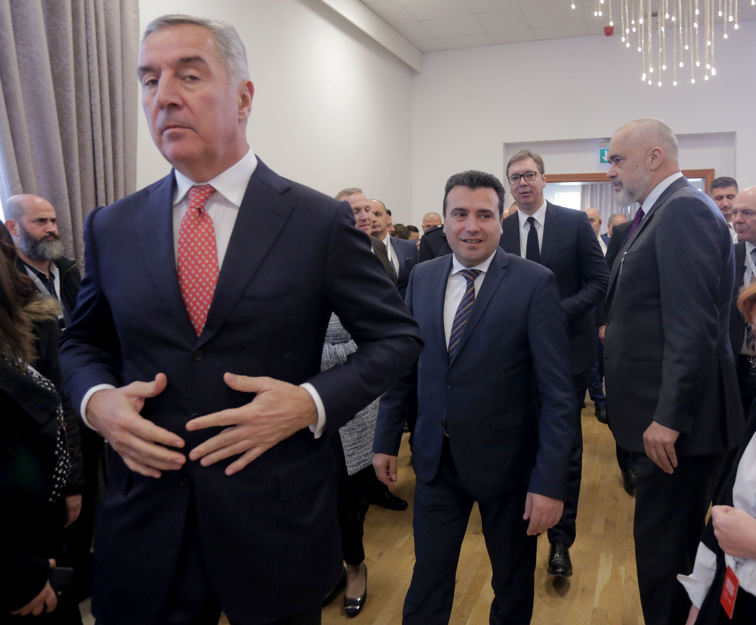 Đukanović upozorava Vučića, kao što je Miloševića 1