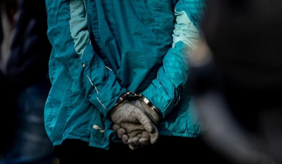 Osmoro policajaca uhapšeno zbog primanja mita 12