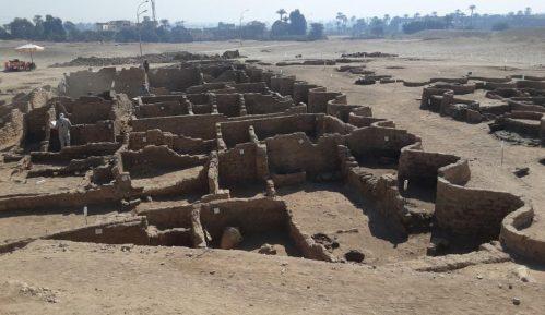Arheolozi otkrili drevni faraonski grad u Egiptu star 3.000 godina 3