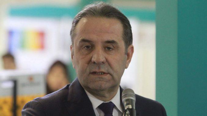 "Rasim Ljajić poslednji u nizu ""kandidata"" za predsednika FSS 4"