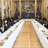 Vikend analiza: Na ručku kod Vučića 8