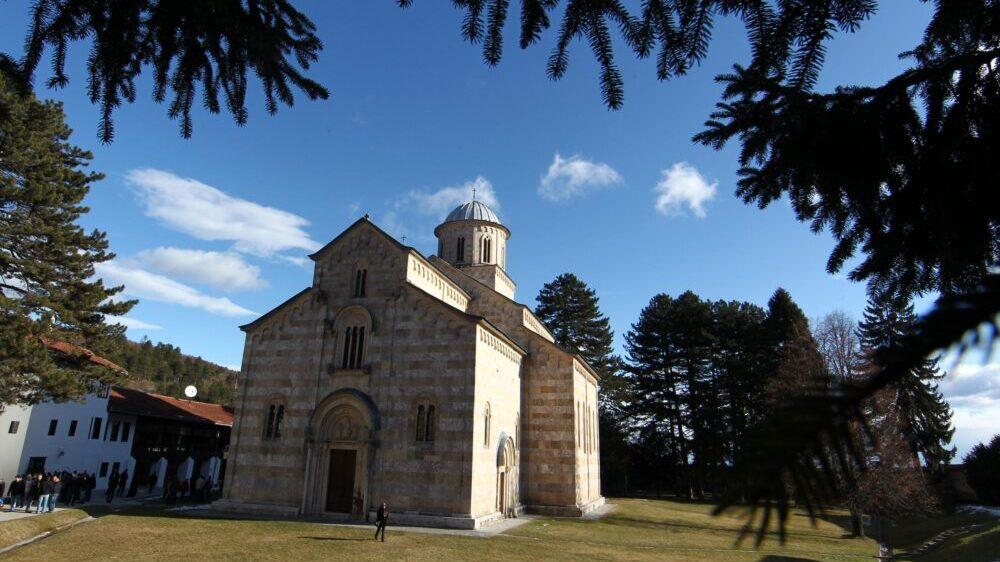 Kosovski Ustavni sud doneo Rešenje o neizvršenju svoje presude kojom se potvrđuje vlasništvo manastira Visoki Dečani 1