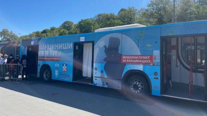 Prvi autobus za vakcinaciju u Srbiji svakog dana na drugoj lokaciji 4