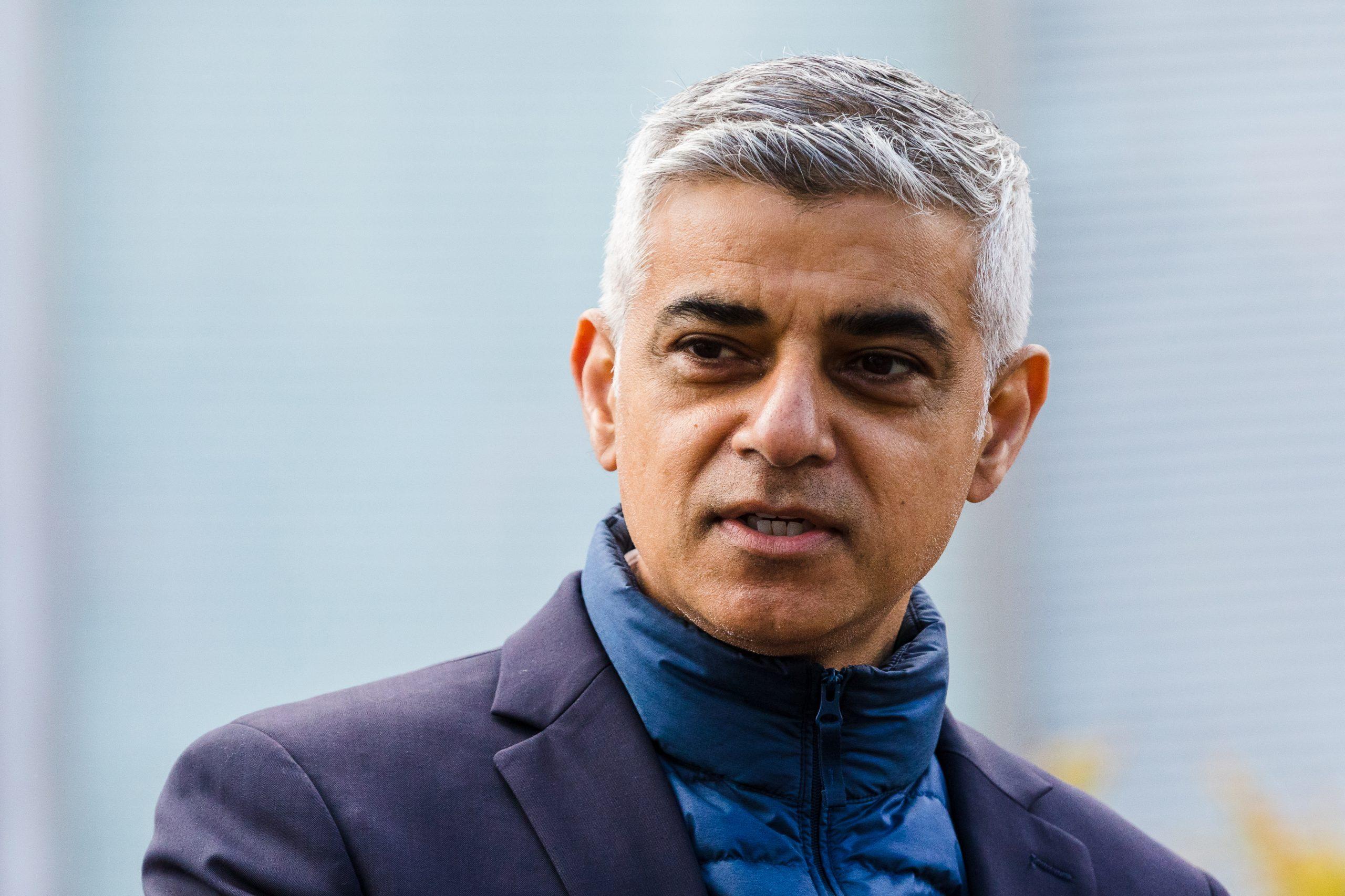 Sadik Kan: Ponosan na London 1